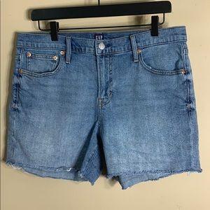 "Gap light indigo 5"" jean shorts raw hem"